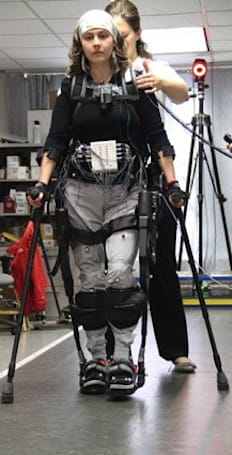Ekso Bionics' exoskeleton used to let paraplegics walk (video)