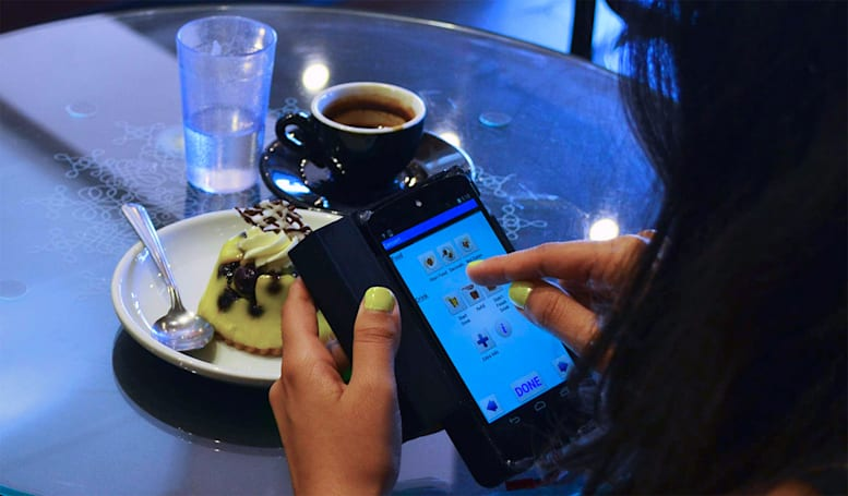 ​Smartphone accessory 3D-scans your food to count calories