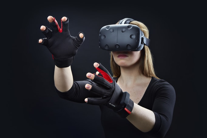 Use your fingers to play in Vive's world with the Manus VR glove