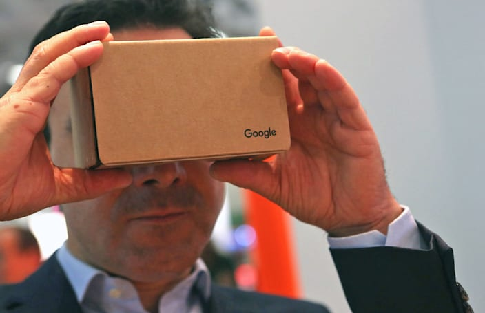 Huffington Post makes VR a staple of its newsrooms