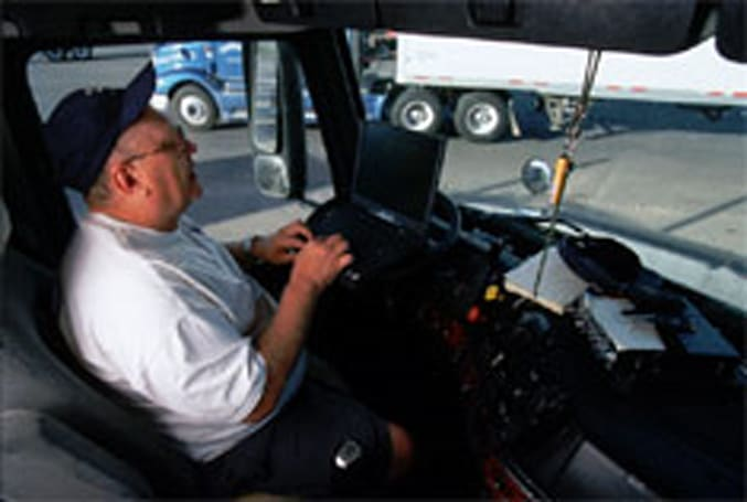 DOT bars bus drivers and commercial truckers from texting while driving