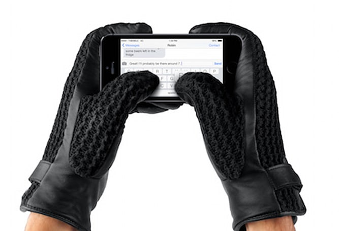 Mujjo leather crochet touchscreen gloves keeps you hands looking good, warm this winter