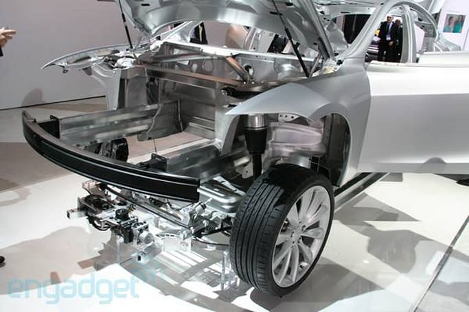 Tesla's Model X SUV reportedly pushed to February, first deliveries coming in 'late 2013'