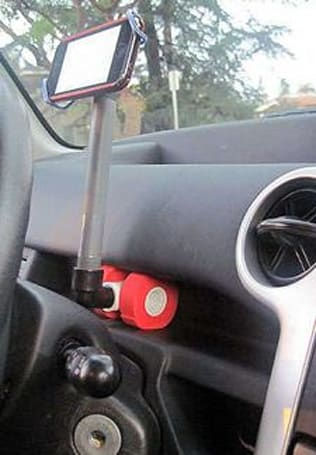 A DIY iPhone car mount for just $2