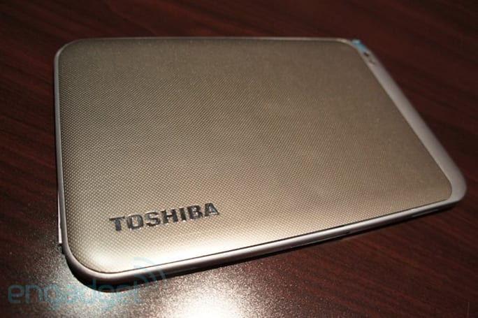 Toshiba 13- and 7.7-inch tablet prototypes hands-on (video)