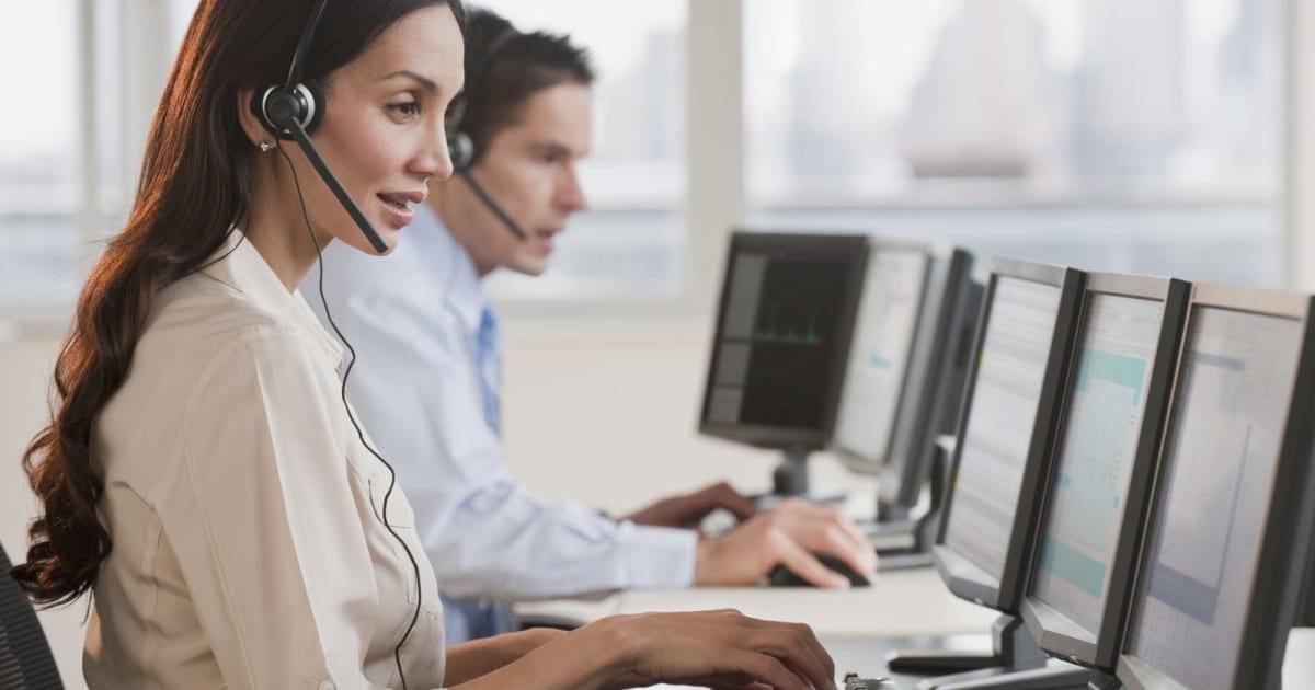 Twitter Tests Custom Profiles for Customer Service DMs