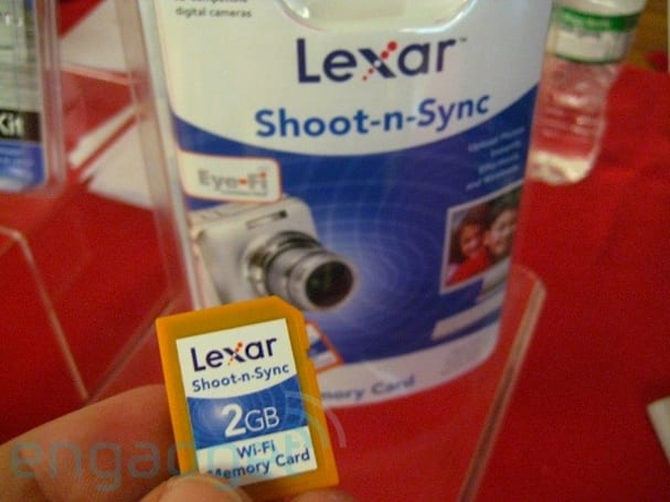 "Lexar's ""Shoot-n-Sync"" Eye-Fi card in the flesh"