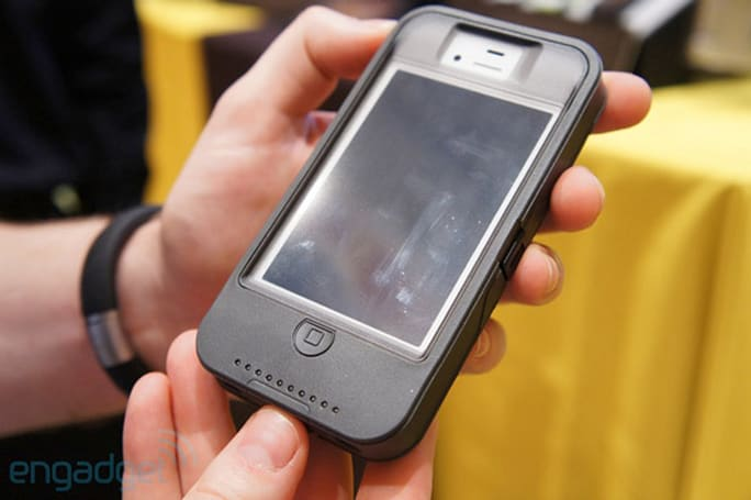 Otterbox iPhone 4 / 4S Defender case with iON Intelligence launching April 18th for $130 (video)