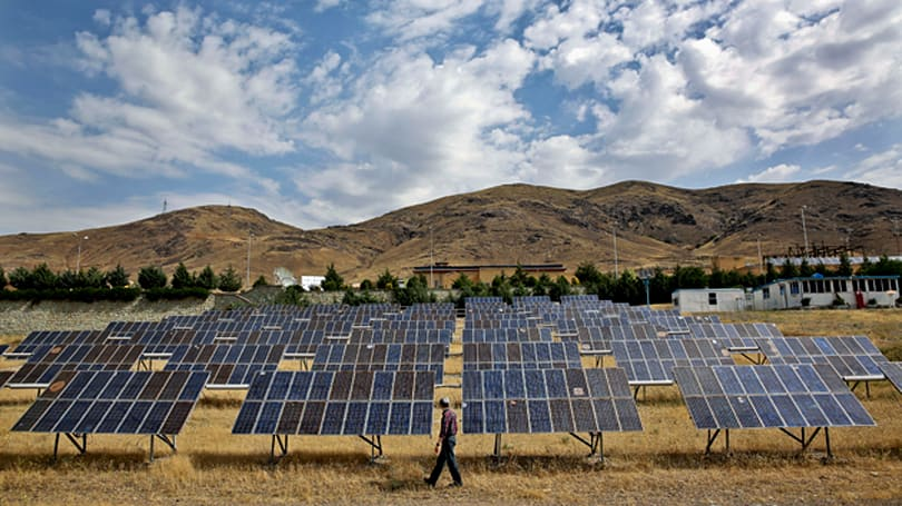 Solar cells cool themselves to produce more power
