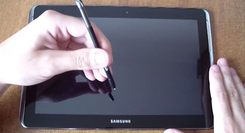 Samsung Galaxy Note 10.1 caught on camera with S-pen slot, quad-core CPU (video)