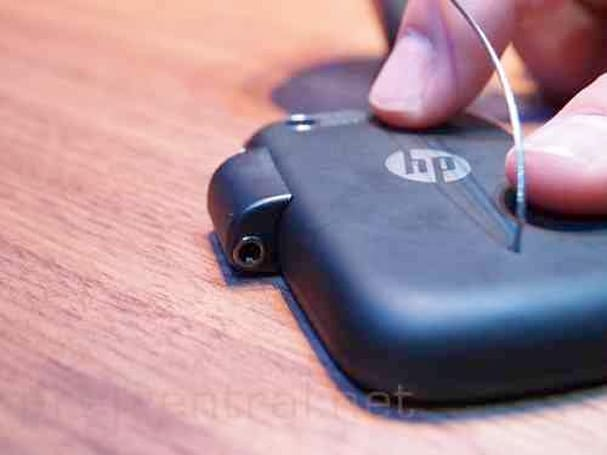 HP Veer too small for 3.5mm headphone jack and microUSB port, gets magnetic connectors instead