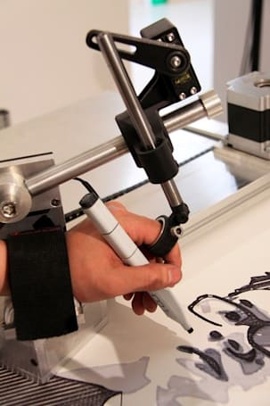 Video: Self-Portrait Machine binds your hands then bends your will