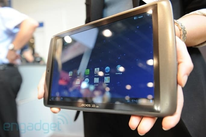 Firmware update brings Google Talk integration, bug fixes to Archos G9 tablets