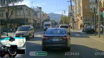 Autonomes Auto steuert durch die Straßen von San Francisco