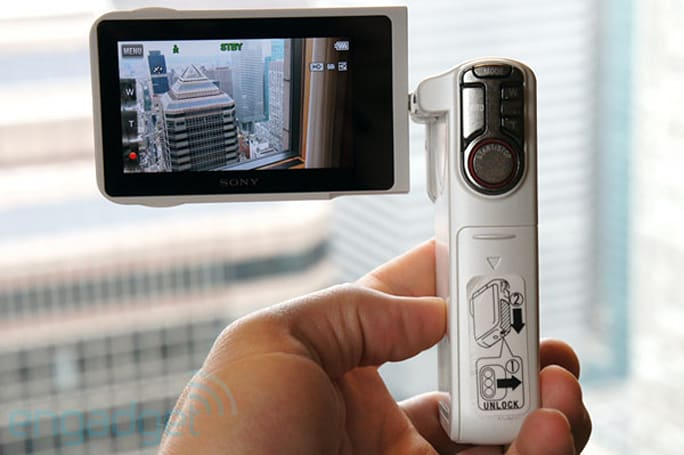 Sony Handycam HDR-GW77V has pocket camcorder form-factor and waterproof design, we go hands-on