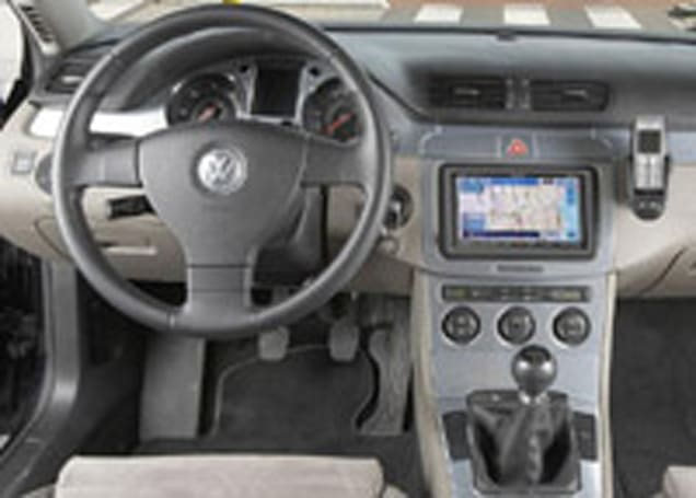 Pioneer AVIC-HD1BT brings plain speech voice-activated GPS units