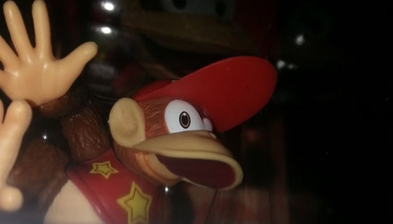 Diddy Kong amiibo has no mouth, and he must scream