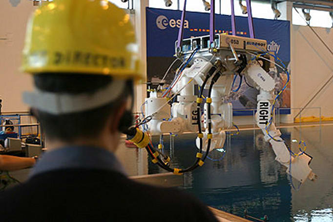 ESA's three-armed space robot passes weightless test