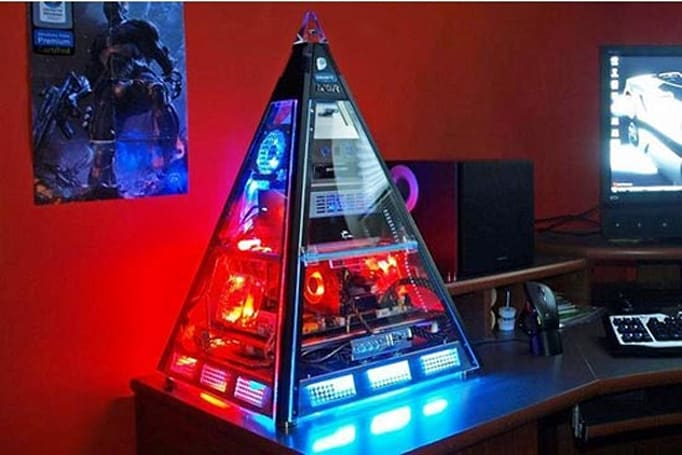 Pyramid PC casemod will look really cool on your desk next to your Crysis poster