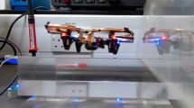 Akku-lose Drohne fliegt mit kabelloser Stromversorgung