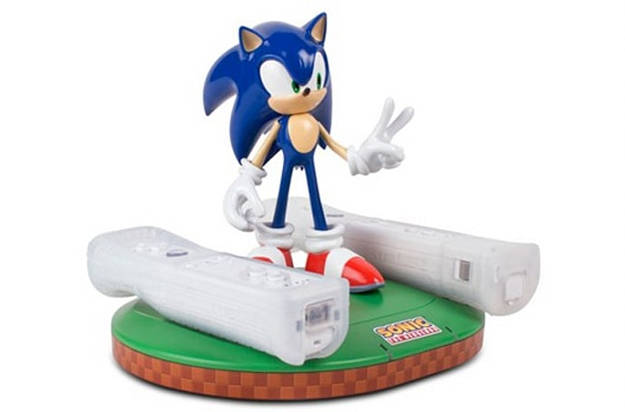 Mad Catz releases Sonic-branded inductive Wiimote charger