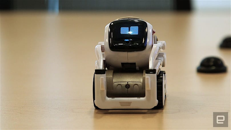 Cozmo the tabletop robot will be user-programmable