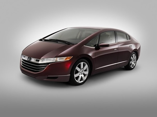 Honda FCX Clarity set to enter limited production and sale