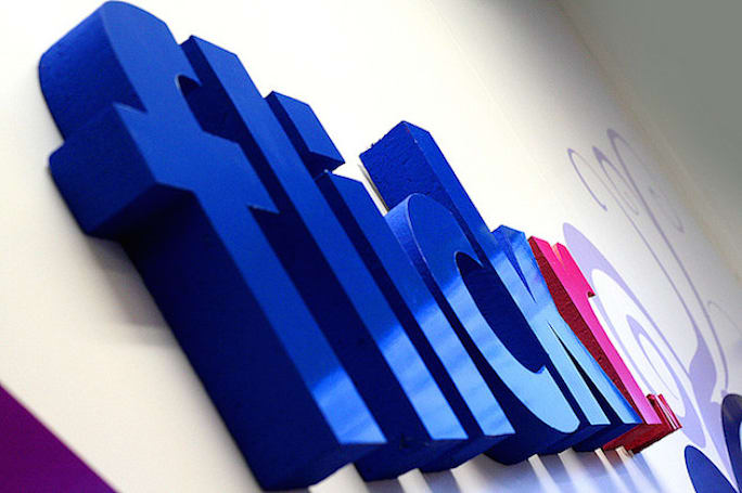 Yahoo to strip Facebook and Google logins from Flickr starting June 30th