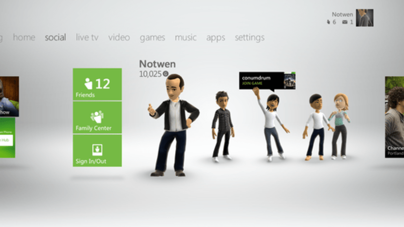 Xbox's David Dennis on July NPDs, Kinect growth, and the 'new dash'