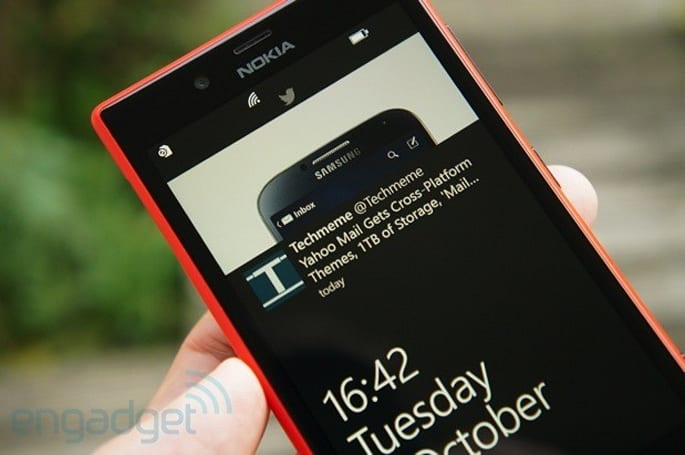Twitter for Windows Phone update brings lockscreen tweets, theme options and notifications from favored accounts