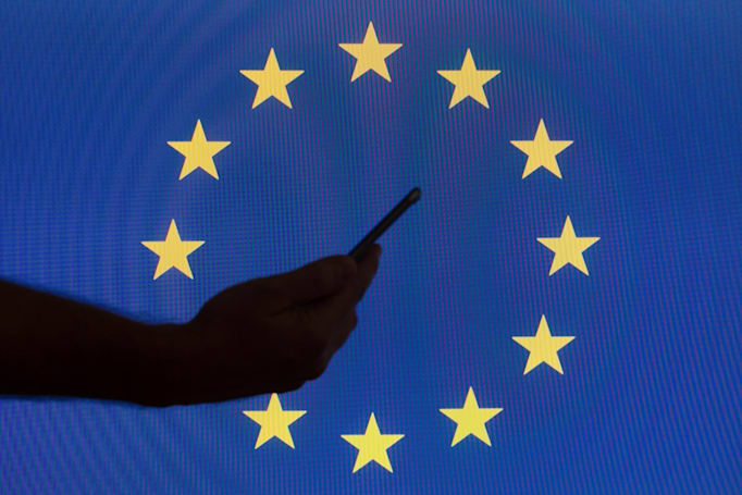 Europe's free roaming law won't have time limits