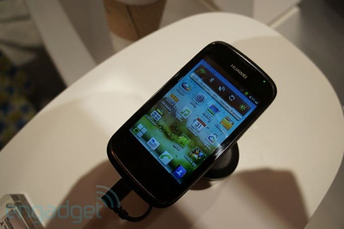 Huawei Ascend Y200 hands-on at CTIA 2012