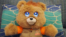 Teddy Ruxpin's LCD makeover is occasionally charming