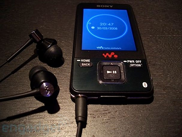 Video: Hands-on Sony's NWZ-A829 Walkman with Bluetooth