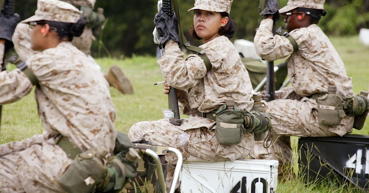 Facebook Group Hosted Naked Photos of Women Soldiers