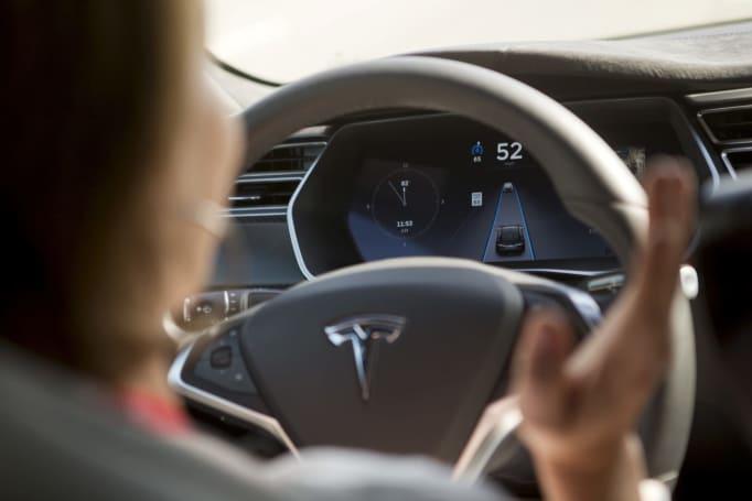 Tesla crash prompts NTSB investigation into autonomous driving