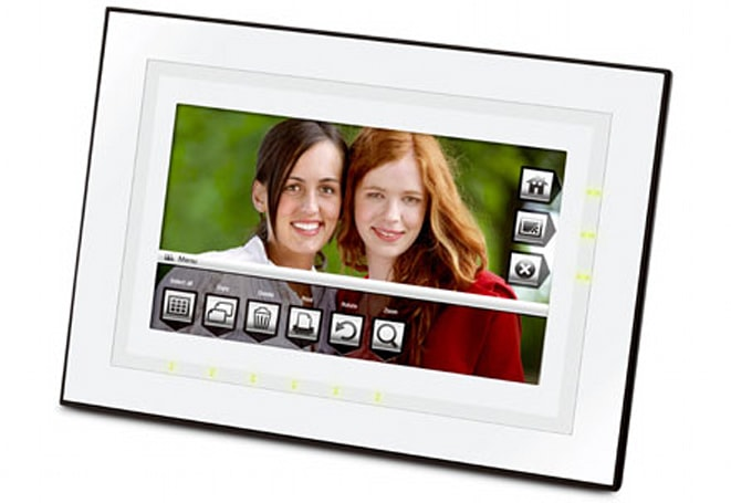 Engadget's recession antidote: win a Kodak M820 digital photo frame!
