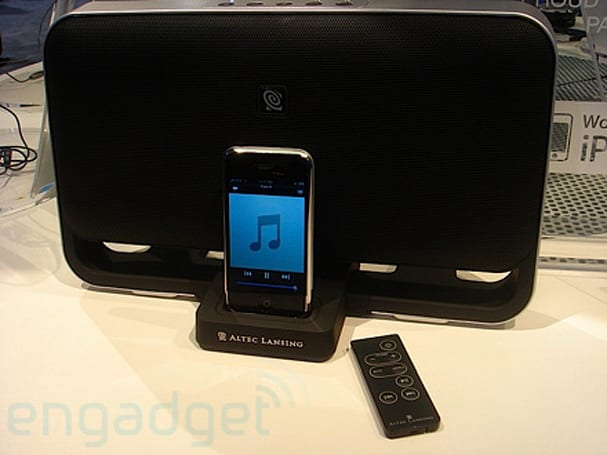 Hands-on with Altec Lansing's T612 iPhone docking speakers