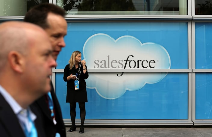 Salesforce urges EU to block Microsoft's acquisition of LinkedIn