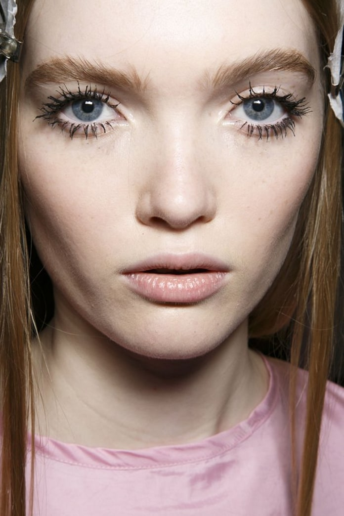 5 reasons why your mascara is clumping