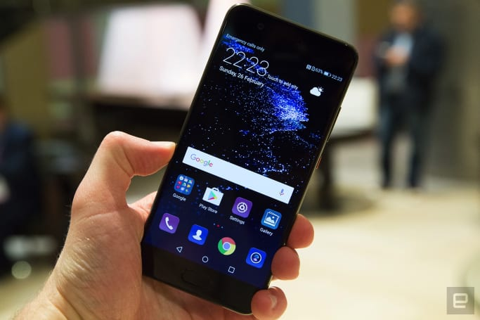 Huawei's P10 wraps familiar performance in colorful bodies