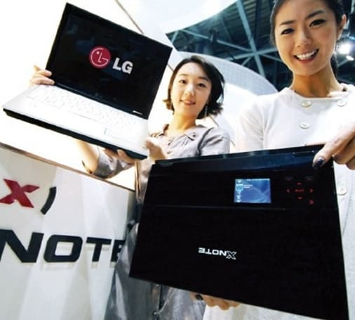 LG's XNOTE R200 with SideShow out in Korea