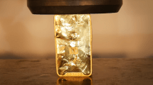 Next-Level-Quetsch: 1 kg Gold in der Hydraulikpresse