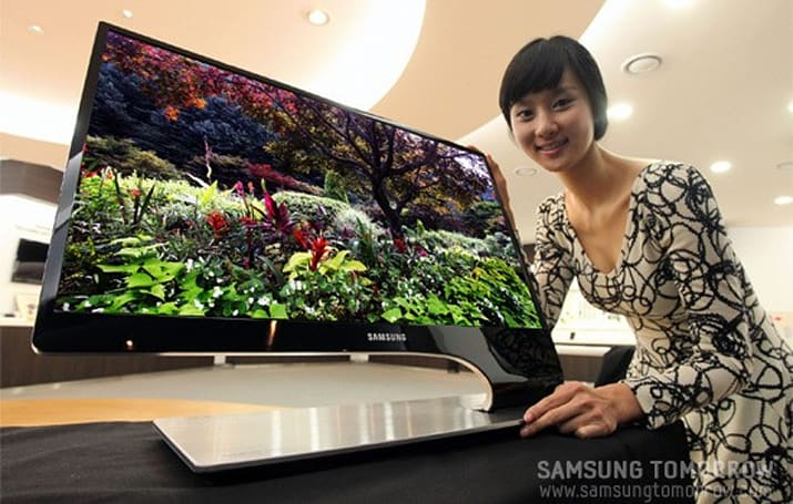 Samsung's new 9 Series LED-backlit 3D monitor goes for asymmetric beauty with a Touch of Color