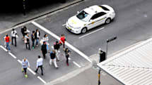 Australia puts traffic lights in the ground to alert phone addicts