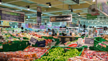 Philips' smart lighting tells you where to go in the grocery store