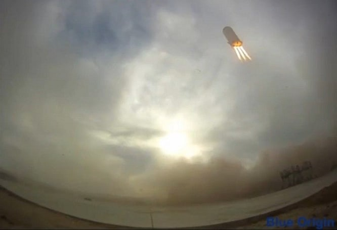 Bezos' New Shepard takes off and escorts itself back to the landing pad (video)