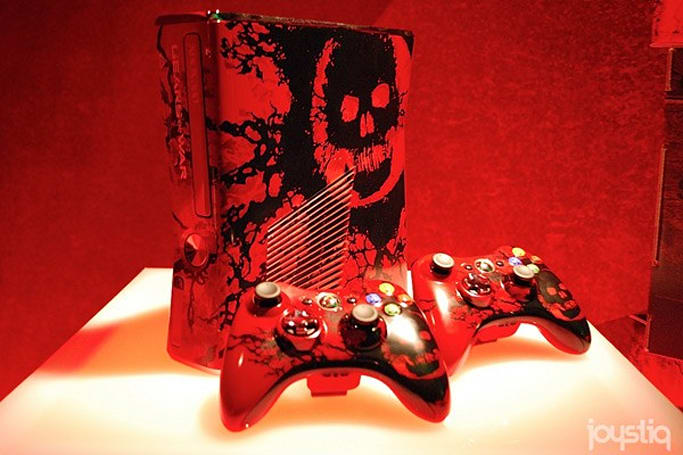 Gears of War limited edition Xbox 360 paints the town crimson, coming September 20th for $400