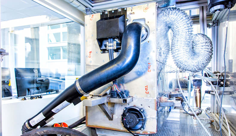 Nissan's bio-ethanol fuel cell would lower the cost of clean cars
