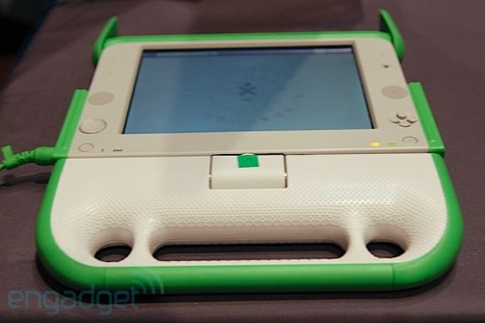 Live from the Engadget CES Stage: an interview with OLPC's Giulia D'Amico and Bob Hacker (update: video embedded)